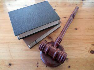 Prawnik jako tłumacz prawniczy?